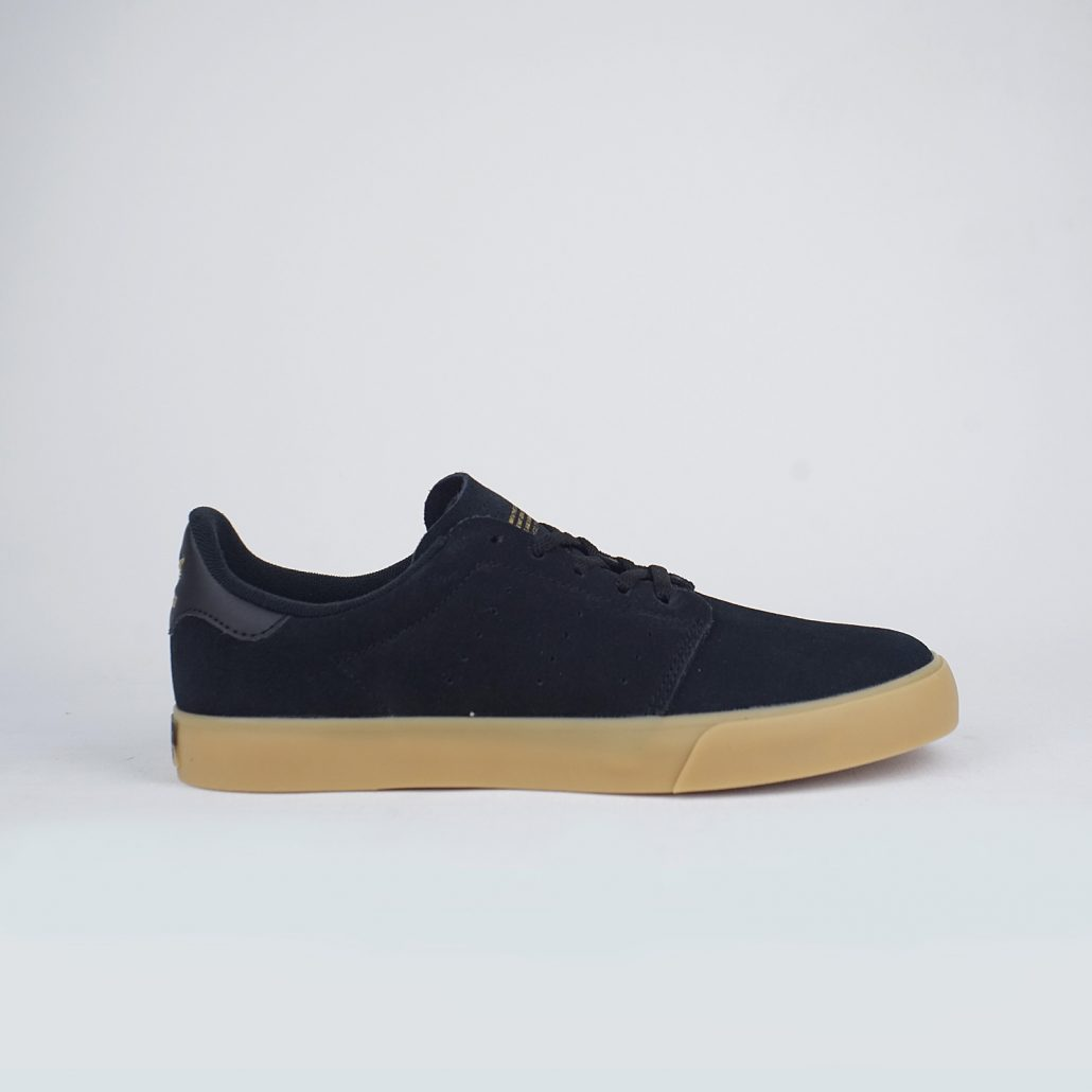 Deeley Court Core Black Gum Side