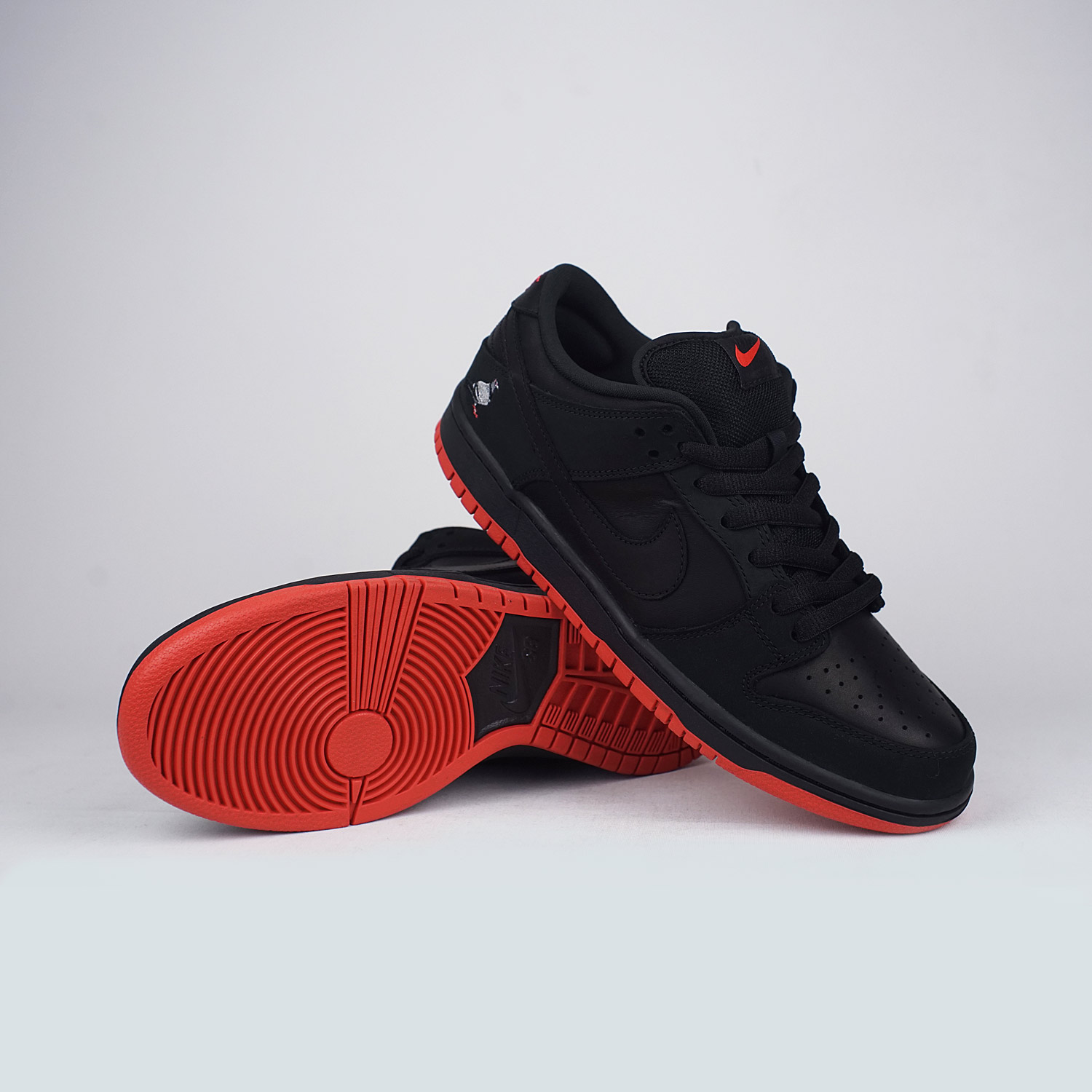 new style 433ae 107c5 Nike-SB-Staple-Quickstrike-Pigeon-Dunk-Black-Black ...