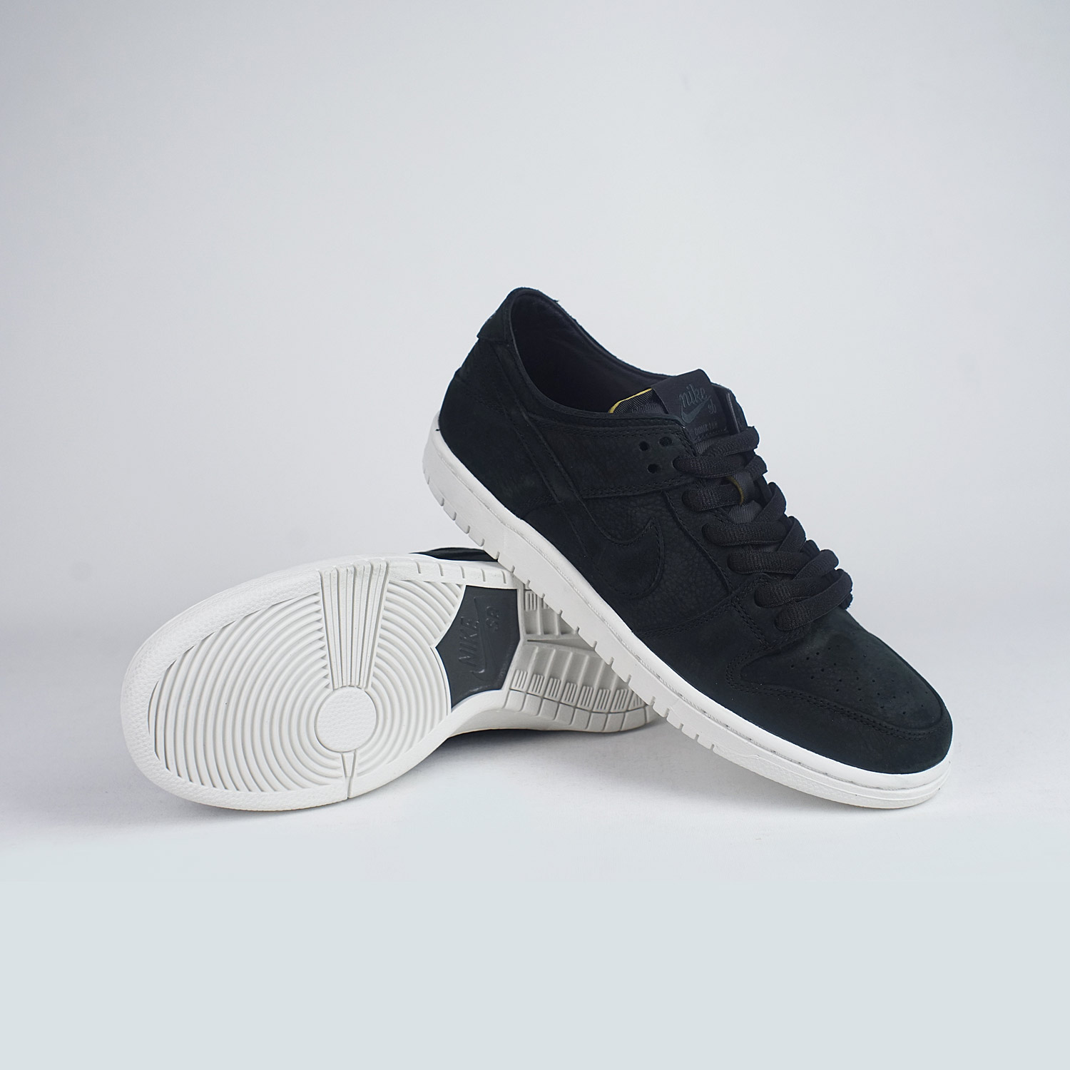 aa0057ae548a Nike SB Zoom Dunk Low Pro Deconstructed Black White – LOBBY