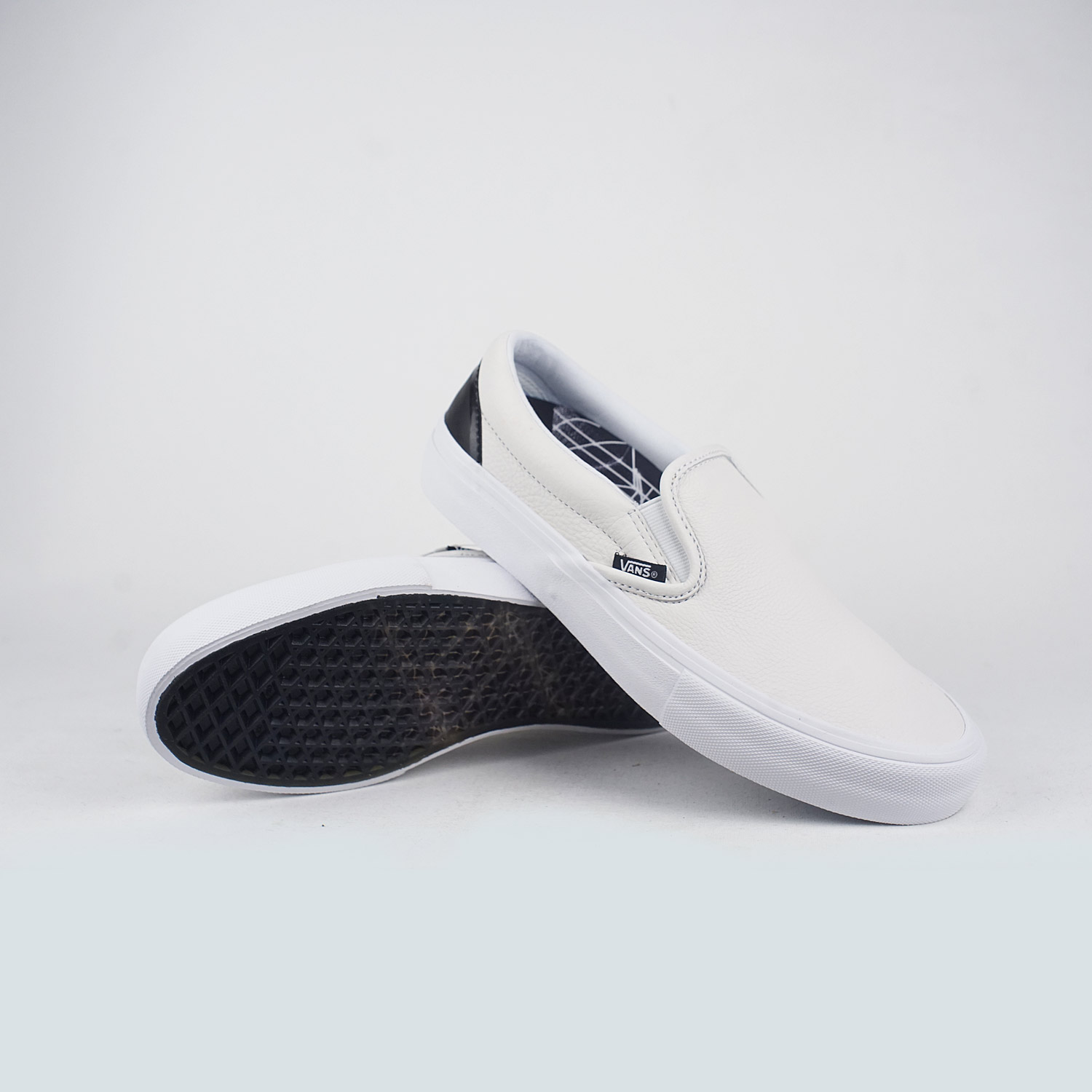 00d0fc9acee43b Vans X Öctagon Slip – On Pro True White Black – LOBBY