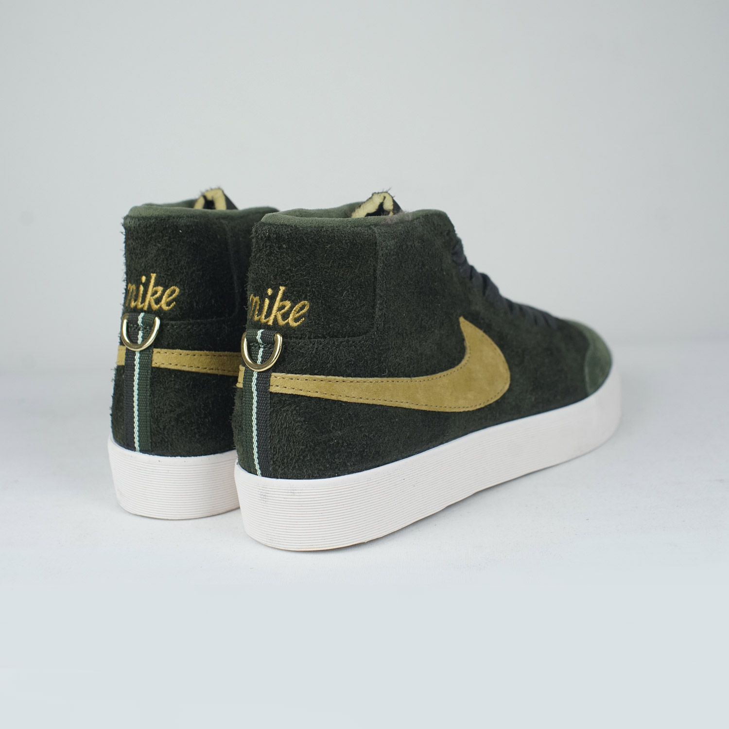 a39aa4a100c4 ... hot nike sb club58 zoom blazer mid qs sequoia gold lobby 9db02 6611d