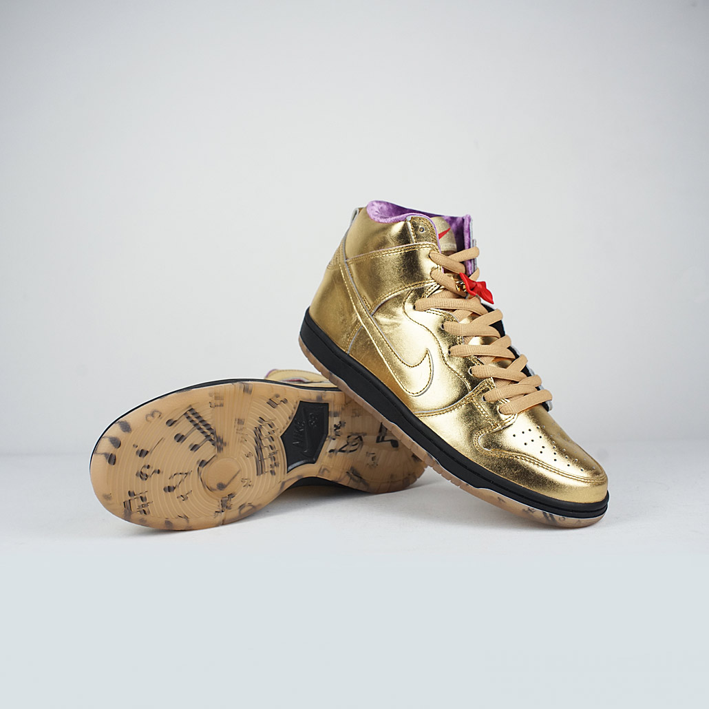 newest 1cff7 43e51 Nike SB Dunk High QS Metallic Gold/ Metallic Gold