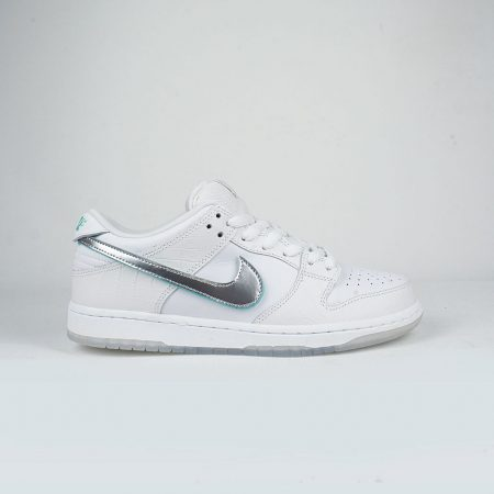 Nike SB x Diamond Supply Co Dunk Low Pro OG QS White Chrome-White 2f0db9276